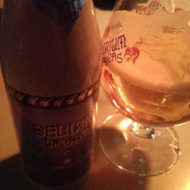 "Brouwerij Huyghe -panimon ""Delirium Tremens"", belgetyyppinen olut."