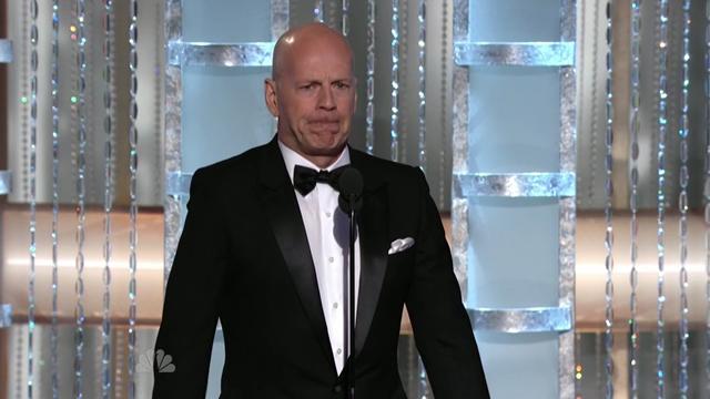 Bruce Willis kuultuaan Gervaisin läpän.