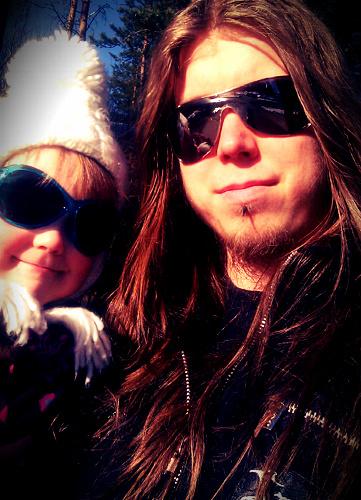Minä ja Lotta kevätauringon paisteessa