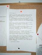 Kuva naapurin kirjoittamasta paperilapusta, jossa suomalainen ylireagoi