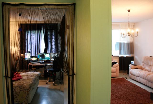 Ovet makuuhuoneeseen ja olohuoneeseen